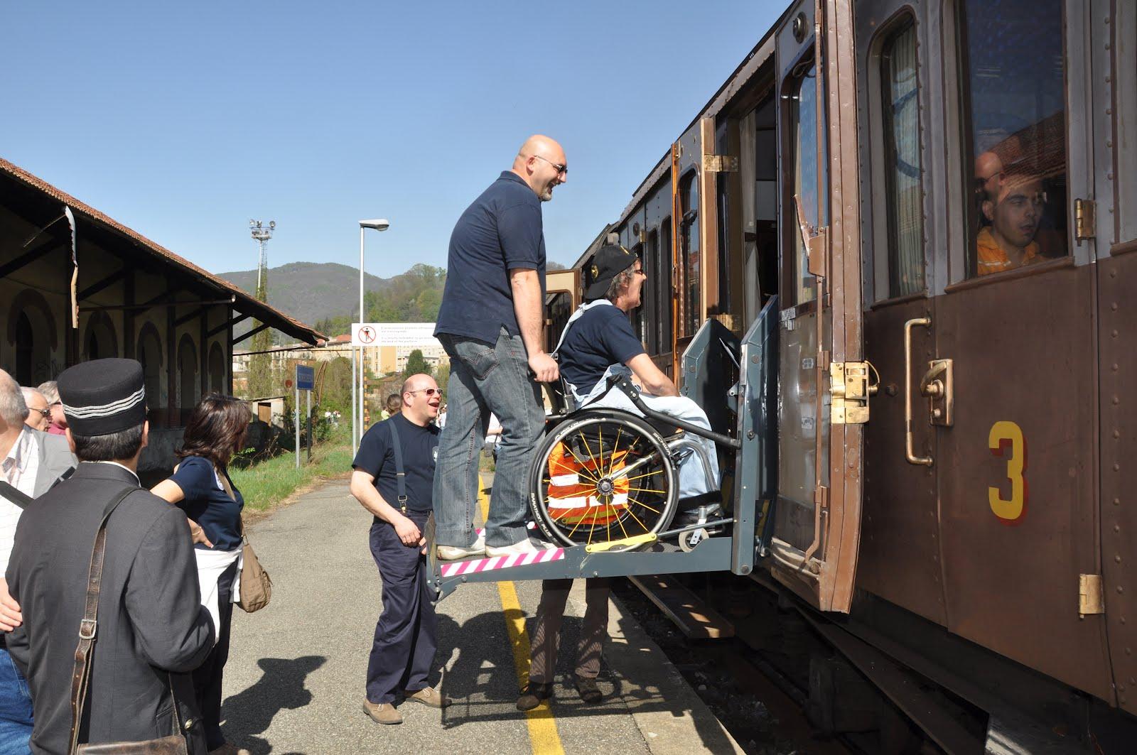 CLICK HERE UNDER'-Treni speciali trasporto malati verso Lourdes