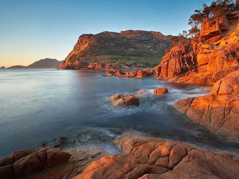 tasmania-sleepy-bay-freycinet-peninsula-australia