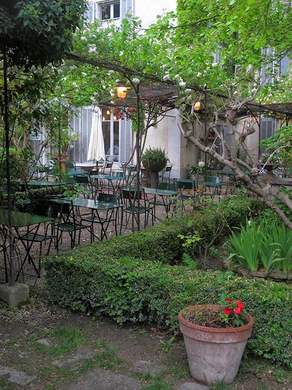 Lost in arles le jardin du quai l 39 isle sur la sorgue - Le jardin du quai isle sur la sorgue ...