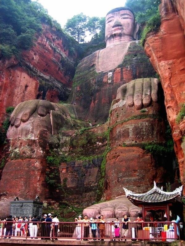 Buddha Statue in Leshan | Entertainment Blog Pictures
