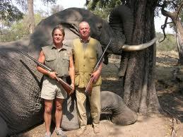 rey matando elefantes