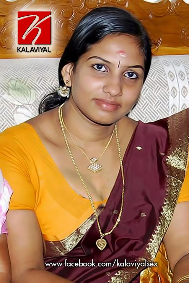 Desi Masala Navel Aunty In Transparent Saree And Cleavage Photo