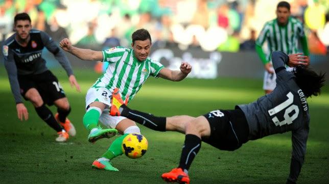 El Espanyol y el Betis se pelean por un delantero con gran proyección de Segunda