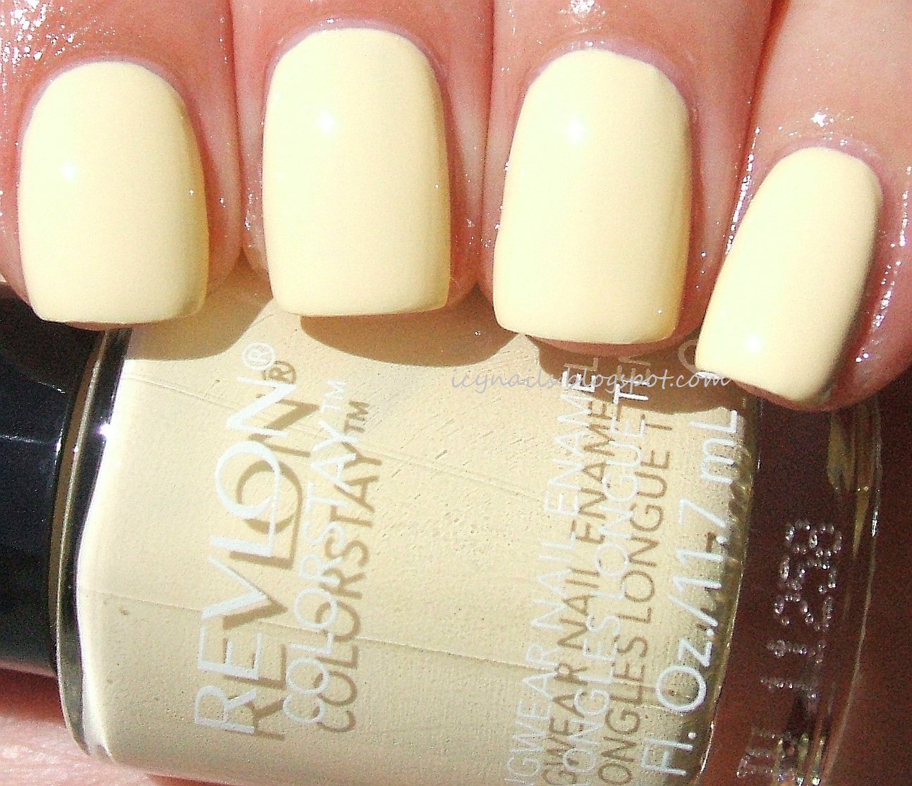 Revlon ColorStay Buttercup Swatch And Review