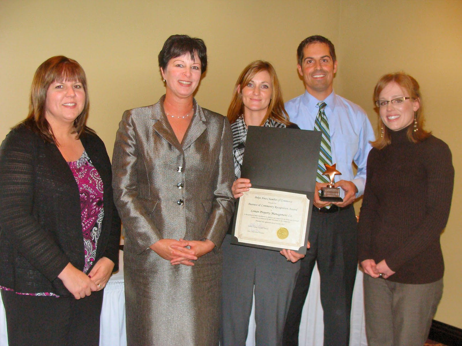 Pekin area chamber of commerce chamber honors twenty eight - Divorce shoppe ...