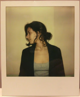 Laura Pintamonadas en Polaroid