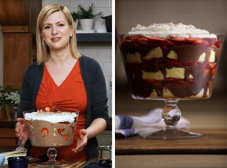 Lekkere tiramisu met aardbeien, cake en een chocolade-roomkaas-banketbakkersroom vulling