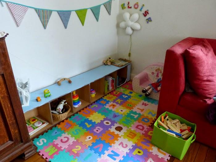 coin salle de jeux assmat bebe design de maison design de maison. Black Bedroom Furniture Sets. Home Design Ideas