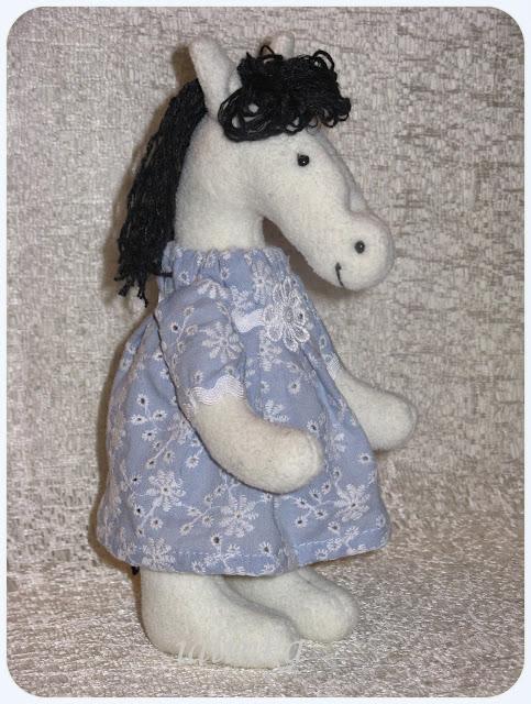 Конь, лошадь, символ года