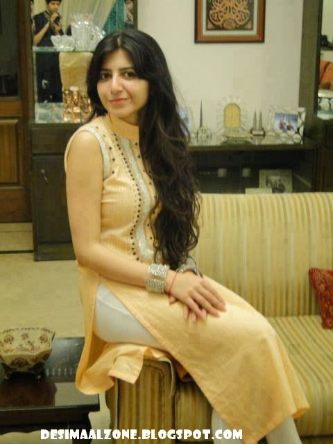 Beautiul Pakistani Girl Hot Body Figure