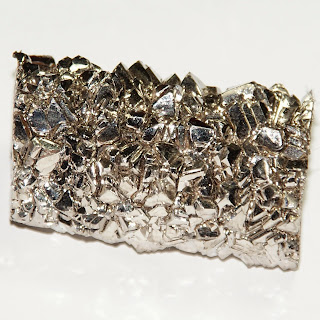 Logam Dasar Titanium
