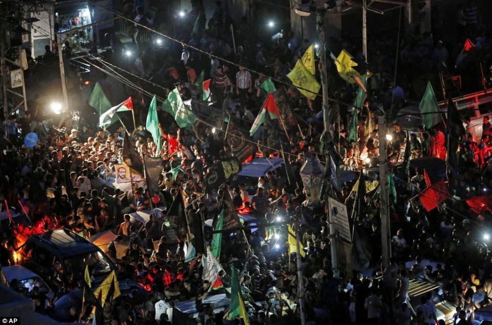 Rakyat Palestine meraikan Gencatan Senjata terbuka antara Hamas dan Israel