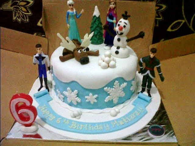 11 ide kreasi kue ulang tahun anak perempuan tema frozen foto gambar