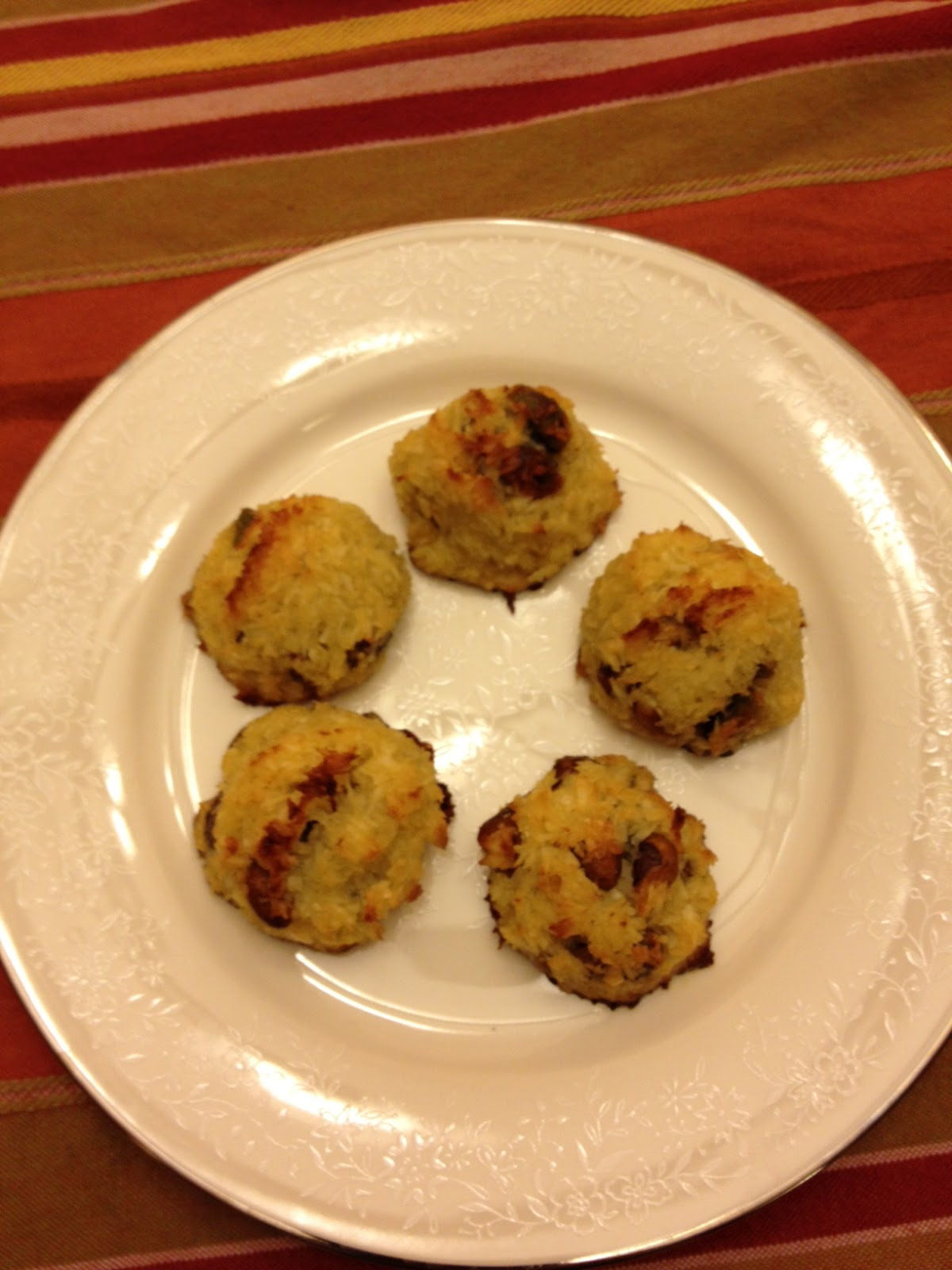 Feeding Ger Sasser: Paleo Coconut Pistachio Macaroons