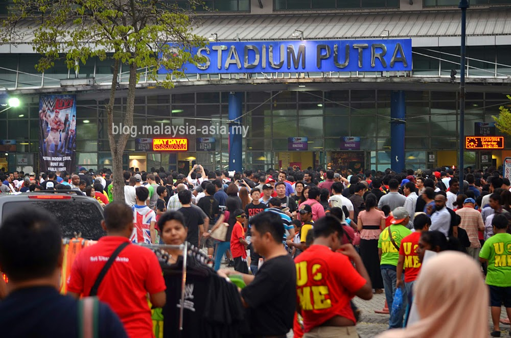 crowd outside Stadium Putra for WWE Malaysia