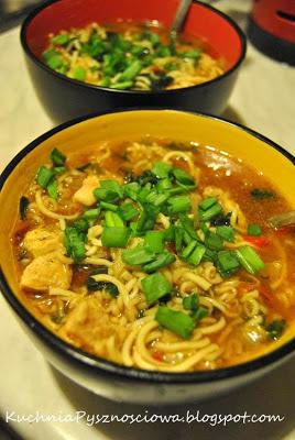 33. Orientalna zupa szpinakowa