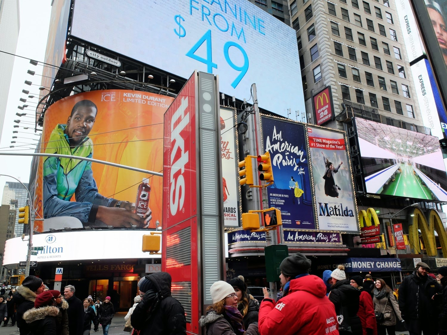 NY visiter New-York Times Square et Broadway TKTS Kevin Durant pub