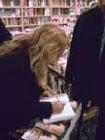 Νότα Κυμοθόη υπογράφει τα Λογοτεχνικά Βιβλία της