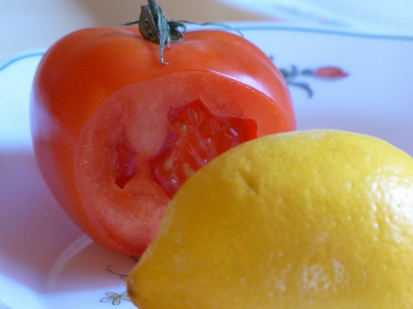 tomate et citron contre les comedons