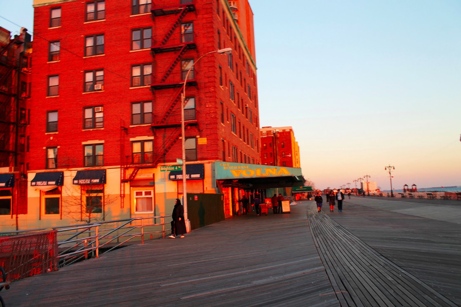 brighton-beach-new-york-reigelmann-broadwalk