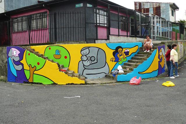 Nuevo Mural (la comunidad me ayudó a pintar en el Barrio)