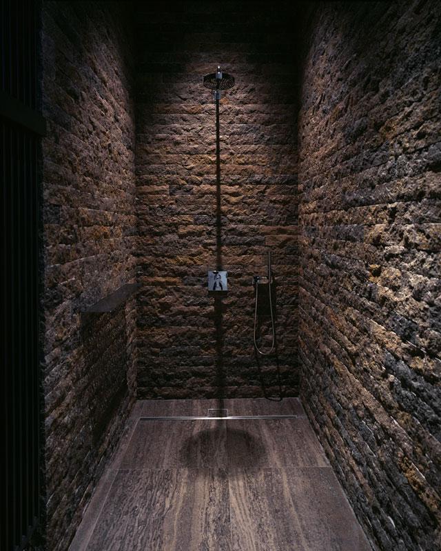 baños estilo rustico-brutalista-ladrillo industrial