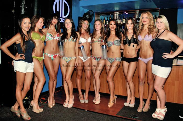 Bikini show girls 14