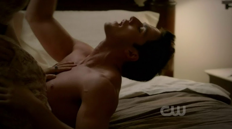 Michael Trevino Shirtless in the Vampire Diaries s3e04