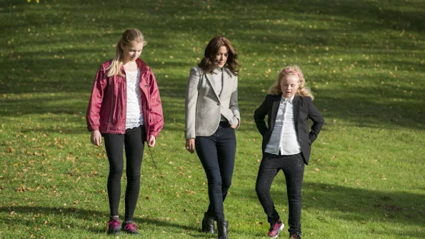 Crown Princess Mary of Denmark visited the Kildemose Christmas Seal home (Julemærkehjemmet) in Copenhagen