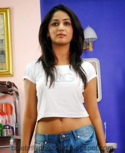 Yami+Gautam+Latest+Hot+Navel+Show+Still+Pictures+And+Photos005
