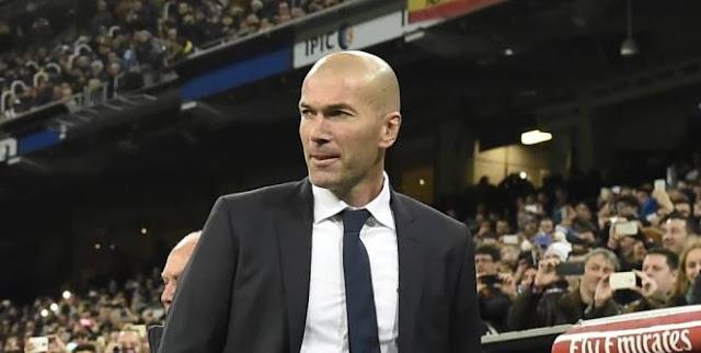Zinédine Zidane est donc entraîneur. Zinédine Zidane est donc l'entraîneur du Real Madrid