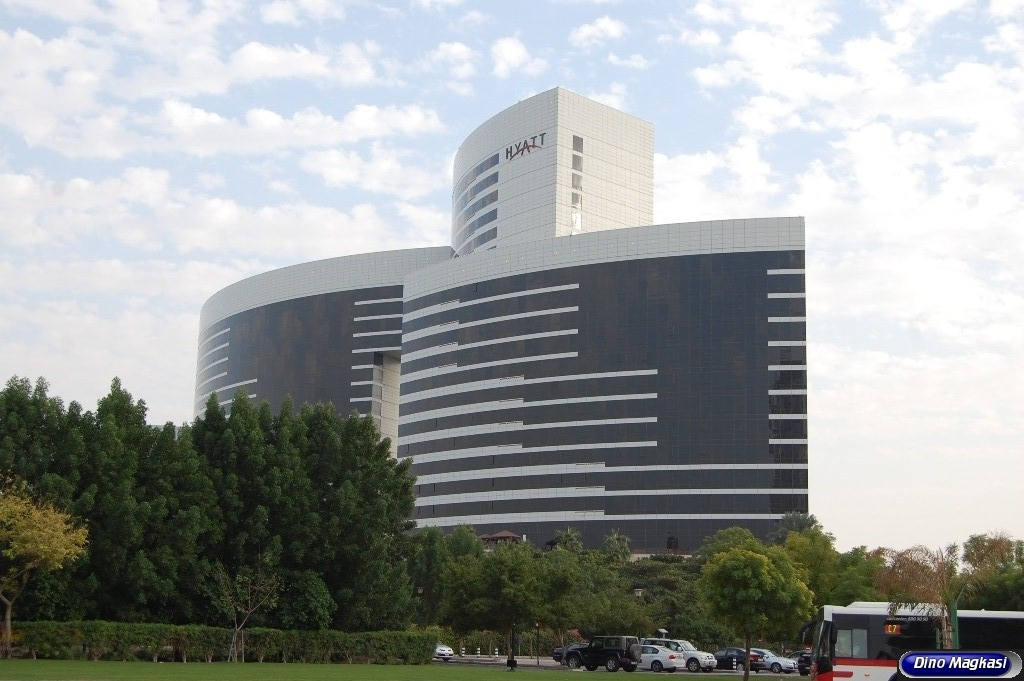 Grand hyatt hotel dubai united arab emirates dinodxbdino for Deluxe hotel dubai
