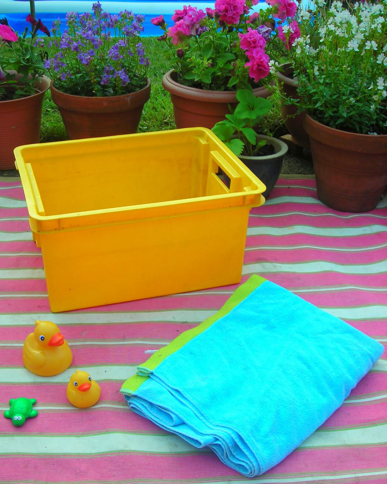 how to make a paddling pool warm