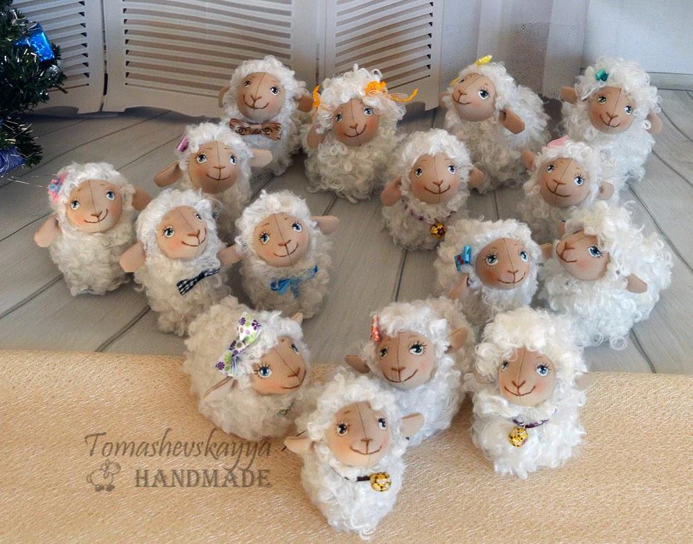 Игрушка овечка. сувенир