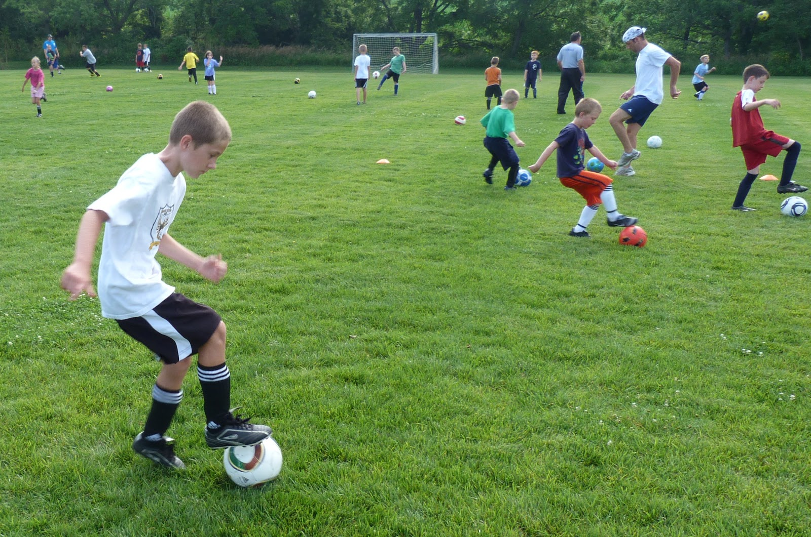 soccer skills The only soccer training and equipment brand online, ran by active and former mls (major league soccer) and epl (english premier league) professional soccer players perfect soccer a team that will use soccer as a vehicle to create over 10 million self disciplined, self sufficient, focused, goal oriented individuals.