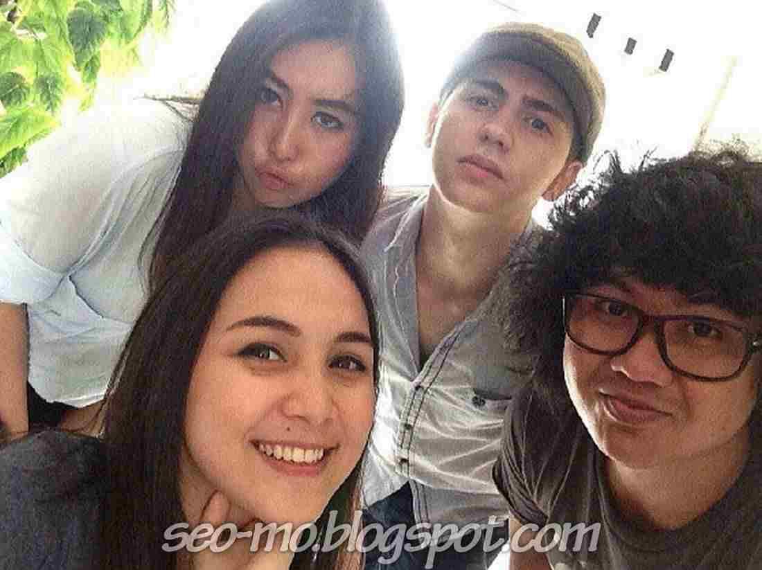 Foto Gledys Veronica dengan Kathy Indera, Cemal Faruk dan Uwen Imoet