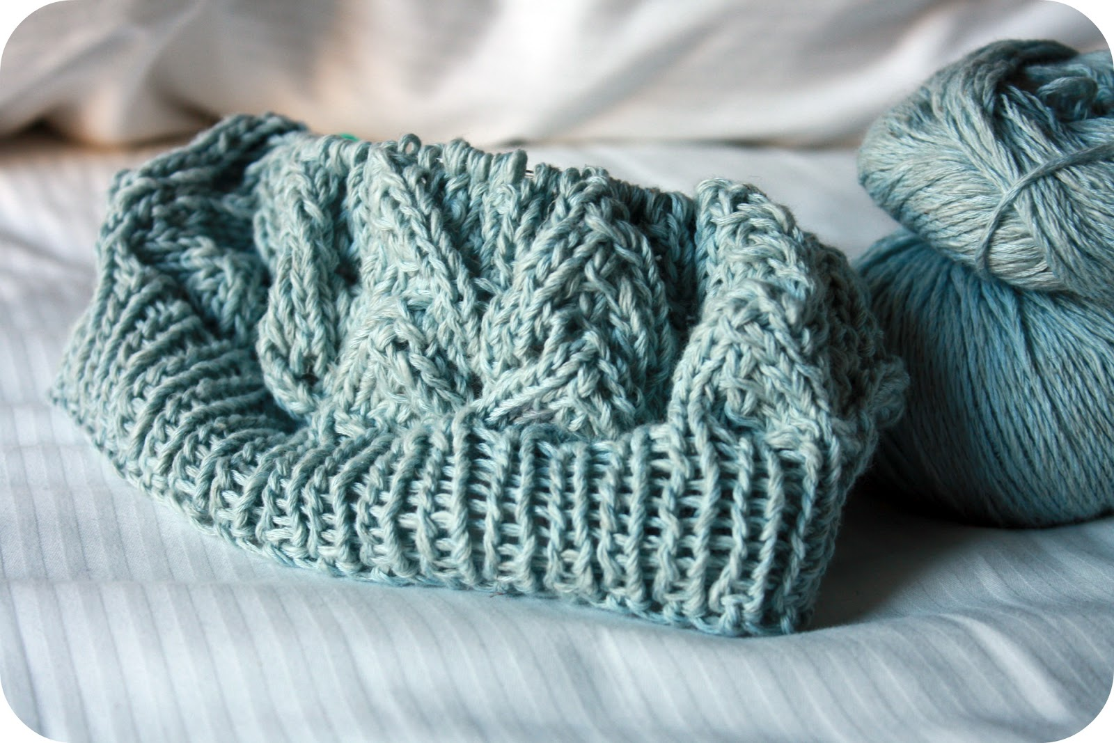 Spring Beret Knitting Pattern : Yarn Coma: This weeks palette & knitting tattoos