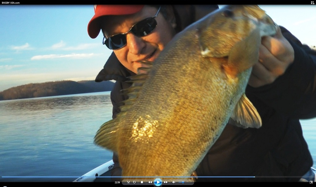 Bassin 39 usa bass fishing blog big smallmouth bass in cold for Cold water bass fishing