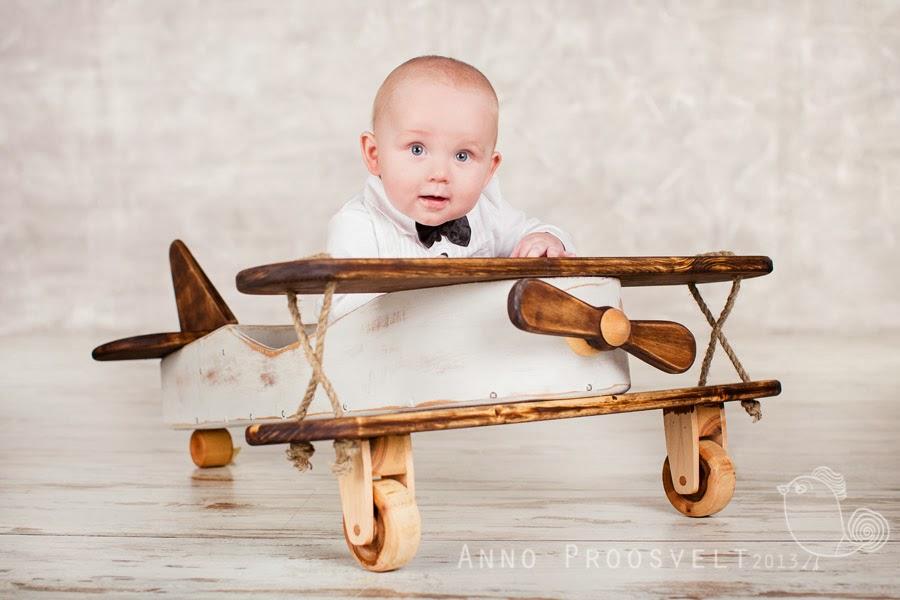 poiss-lennukil