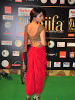 Shriya Sizzling in saree at IIFA Utsavam-cover-photo