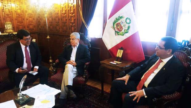 César Villanueva se reúne con presidente del Congreso