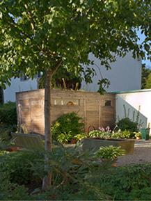 Gartenblog geniesser garten gartenhaus ger teschuppen for Drahtkugel fa r den garten