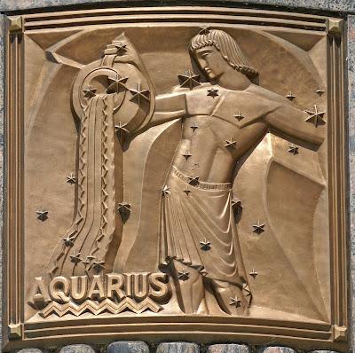 Escultura Acuario en Bronce