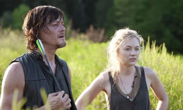 The Walking Dead 4x12 - Still: Beth y Daryl las pasan canutas