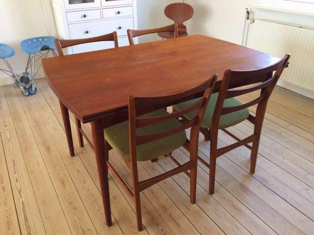 Retro Furniture: Teak spisebord med hollandsk udtræk