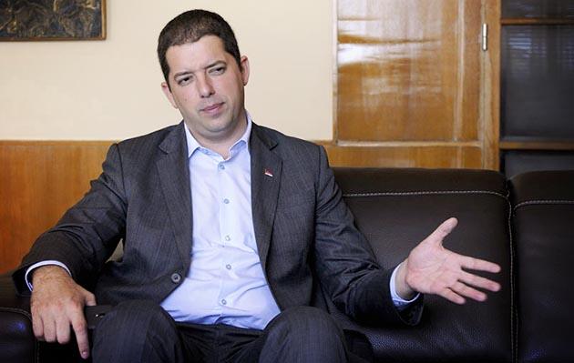 Лажни чланови ''СНС'' прави милиони од продаје српске имовине