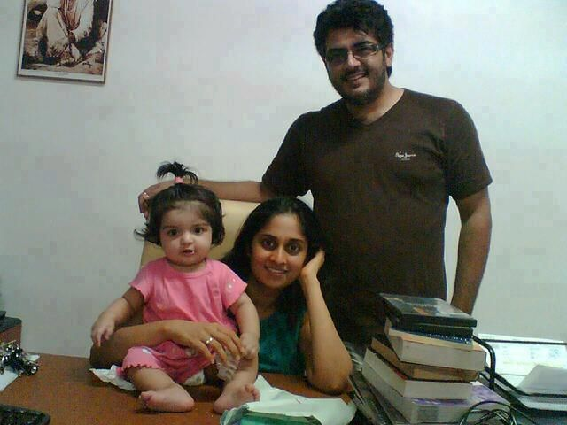 THALA AJITH RASIKAN: Ajith Latest Famil Photos