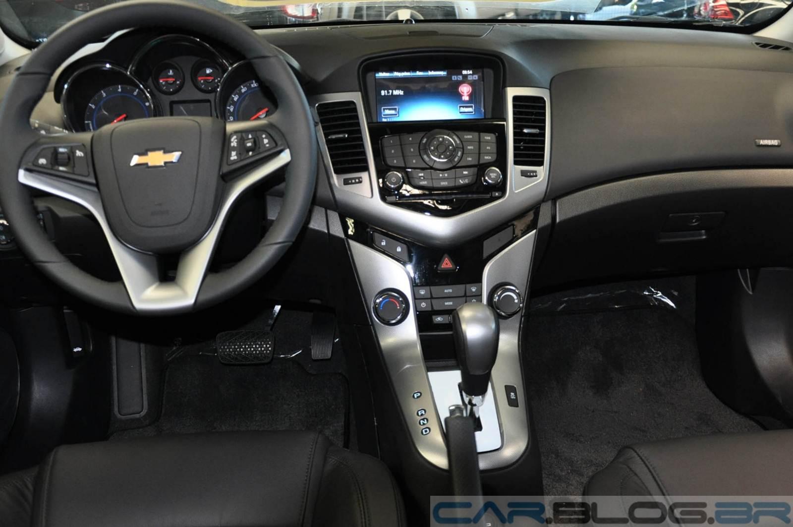 GM Cruze Sport6 LTZ Automático - interior