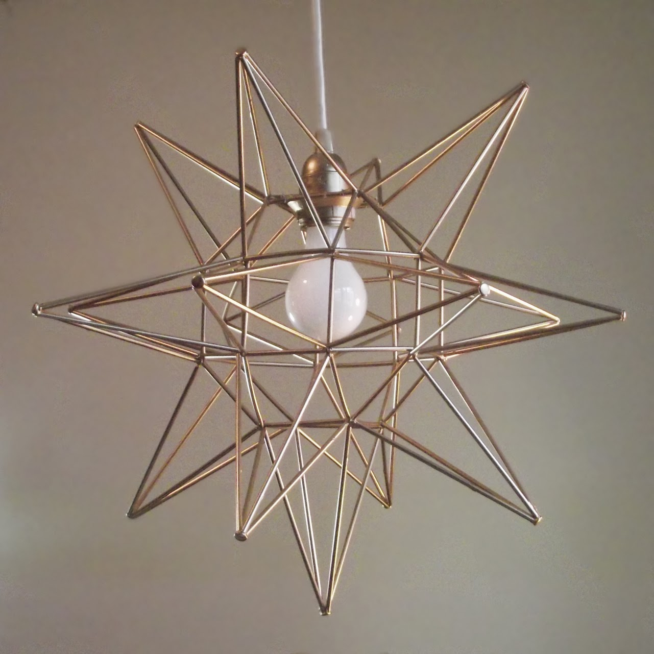 diy geometric moravian star pendant light oof that 39 s a mouth full. Black Bedroom Furniture Sets. Home Design Ideas