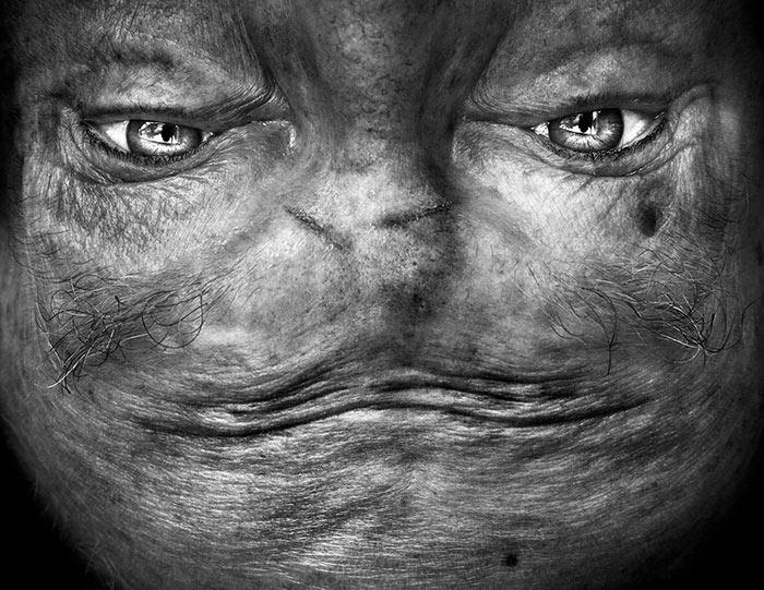 Alienación: retratos al revés hacen que las personas se vean como extraterrestres